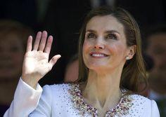 Delgadez de la reina Letizia desencadena comentarios en las redes sociales (FOTOS). http://i24mundo.com/2014/09/29/delgadez-de-la-reina-letizia-desencadena-comentarios-en-las-redes-sociales-fotos/