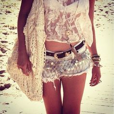 Cute shorts and skinny legs!!