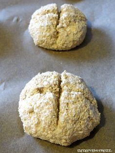 Overnight Oats Buns ♡ Quark – Oatmeal rolls – Famous Last Words Quark Recipes, Law Carb, Baked Oats, Bread Bun, Low Carb Breakfast, Pampered Chef, Low Calorie Recipes, Clean Recipes, Easy Desserts