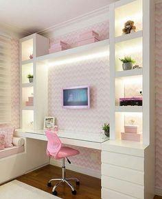 Boa noitinha Quarto menina l Destaque para a bancada de estudo com nichos iluminados, e papel de parede que trouxe astral ao ambiente. Projeto Monise Rosa e Júlia Ribeiro #bedroom #quartodemenina #home #girlroom #wallpaper #pink #pinterest #papeldeparede #beautiful #lindo #decoração #goodnight #boanoitinha #decor #homeoffice #instadecor #blogfabiarquiteta #fabiarquiteta