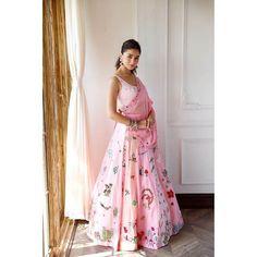 2020 Bollywood Celebrities Diwali Outfits That We Truly Adore Pink Lehenga, Bridal Lehenga, Bollywood Stars, Bollywood Fashion, Bollywood Celebrities, Bollywood Actress, Alia Bhatt Saree, Diwali Outfits, Bollywood Wedding