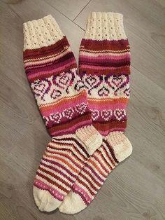 Socks, Gloves, Fashion, Knitting Socks, Knit Patterns, Moda, Fashion Styles, Sock, Stockings