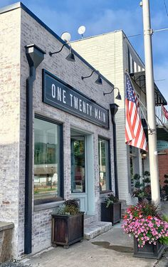 A Hand Painted Store Front Sign for One Twenty Main - Ashley Hackshaw / Lil Blue Boo