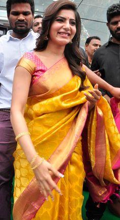Indian Silk Sarees, Soft Silk Sarees, Indian Beauty Saree, Silk Saree Kanchipuram, Ikkat Silk Sarees, Saree Blouse Neck Designs, Lehenga Designs, Mehndi Designs, Saree Hairstyles