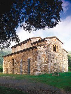 Iglesia de San Pedro de Nora #LasRegueras #Prerrománico #cultura #culture…