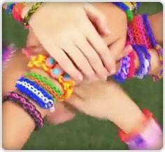 FunLoom Rubber Band Bracelet Kit - Make bracelets, rings, hair ties, anklets, belts and much more!