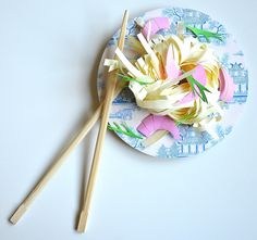 Paper food tagiatelli/shrimps
