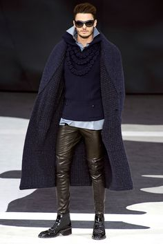 Chanel Fall 2013 Ready-to-Wear Fashion Show - Baptiste Giabiconi Fashion Moda, Fashion Show, Mens Fashion, Fashion Design, Paris Fashion, Chanel Fashion, Runway Fashion, Tight Leather Pants, Leather Trousers