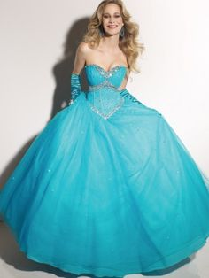 i SWEAR I would walk down the aisle in this!!! i mean, wouldn't you?!?!