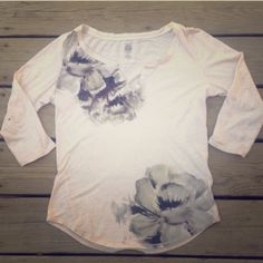 Lucky Brand floral top Lucky Brand floral top in excellent like new condition stain free size medium 100% cotton cute top feel free to ask questions Lucky Brand Tops Tees - Short Sleeve