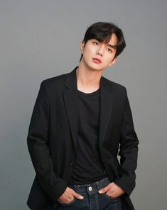 Yo Seung Ho, Yoon Eun Hye, Bts Polaroid, Handsome Boys, Korean Actors, My Boys, Kdrama, Iphone Wallpaper, Robot