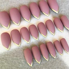 $16 Dusty Pink And Gold Stiletto Faux Nails Fake Nails Gold