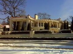 UGHHH this is one of my favorite houses on Lake of the Isles.