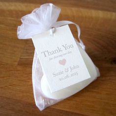 Are you interested in our Heart favour tag? With our tag for wedding favour you need look no further.
