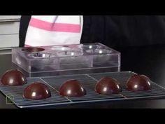 Sphère en chocolat par le MOF Pierre Mirgalet - YouTube