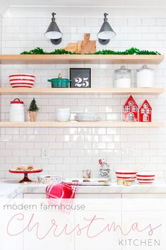 Modern Farmhouse christmas in the kitchen. Add some simple holiday decor to your kitchen. Modern Farmhouse christmas in the kitchen. Add some simple holiday decor to your kitchen. Cohesive DIY Home Decor Ideas Farmhouse Christmas Kitchen, Farmhouse Kitchen Island, Modern Farmhouse Kitchens, Farmhouse Decor, Kitchen Modern, Kitchen Islands, Christmas Crafts For Kids To Make, Christmas Home, Rustic Christmas