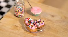 Tiny actual donuts made in an actual tiny kitchen with wee working candle stove! Cute Food, Yummy Food, Tiny Cooking, Cooking Fish, Cooking Games, Cooking Turkey, Taste Made, Mini Craft, Mini Kitchen
