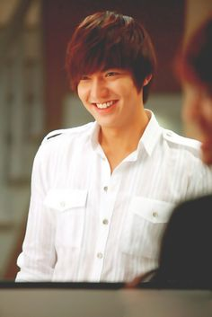 Lee Min Ho as Lee Yoon Sung