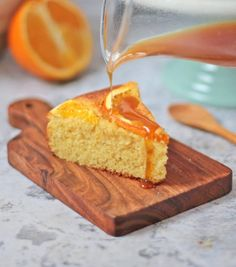 This Orange Semolina Cake topped with Orange Syrup is the perfect combination of light, moist and crunchy - a great cake to serve for dessert this winter! Chocolate Pie Filling, Chocolate Custard, Chocolate Pastry, Cooking Chocolate, Delicious Chocolate, Dinner Party Desserts, Winter Desserts, Easy Cake Recipes, Sweet Recipes