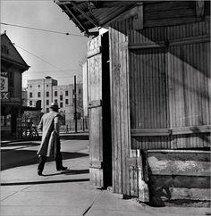 John Gutmann, MAN IN A HURRY NEW ORLEANS, 1937