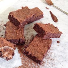 Super healthy almond brownies (grain-free, dairy-free, no refined sugar, paleo, gluten-free)