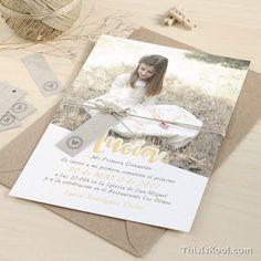 "Invitación comunión - ""HAPPY"" Niña |This Is Kool (Foto niña) First Communion, Religion, Diy Crafts, Invitations, Ideas, Cards, First Holy Communion, Make Your Own, Homemade"