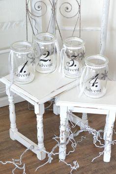 Use old mason jars to create an advent wreath! #Weihnachten #Dekoration