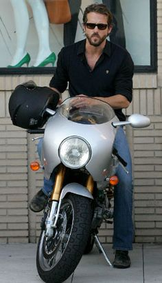 Sexy Stars and Their Motorcycles | Ryan Reynolds
