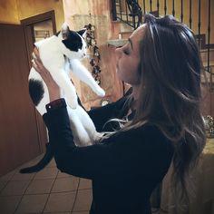 In effetti potresti insegnarmi diverse cose... #love #animal #cat #bassanodelgrappa