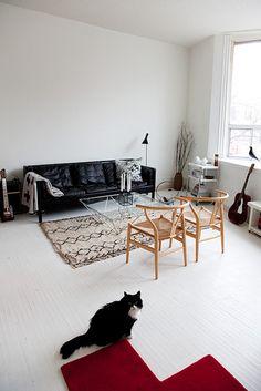 Search Results white floors at KITKA design toronto Black Couches, Black Leather Sofas, Black Sofa, Leather Couches, Retro Interior Design, Japanese Interior Design, Interior Styling, Clear Coffee Table, Coffee Tables