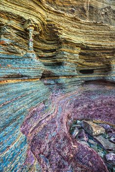 Natural Column — Sunset Cliffs, San Diego, California, USA http://papasteves.com/blogs/news