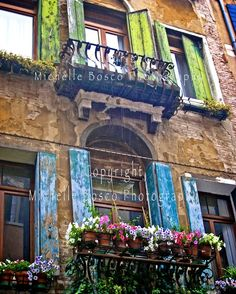 Windows along the Grand Canal- Venice, Italy    what gorgeous colors!!!