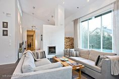 Scandinavian homes: light coloured living room of a Finnish house