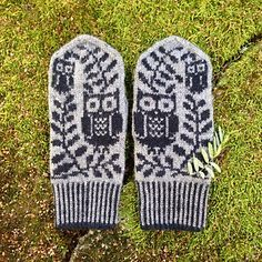 Owl and Olive Branch Mittens | Ravelry pattern