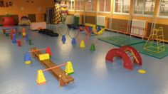 Ejercicios desarrollar motricidad (39) Gross Motor Activities, Physical Activities, Fun Games For Kids, Activities For Kids, Life Size Games, Pediatric Physical Therapy, School Games, Preschool Lessons, Exercise For Kids