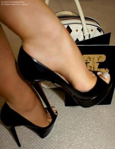 Risultati immagini per pantyhose feet heels High Heel Boots, High Heel Pumps, Stilettos, Pumps Heels, Heeled Boots, Stiletto Heels, Patent Heels, Peep Toe Heels, Shoes Sandals