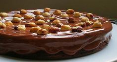 O Ganache Rápido de Nutella é perfeito para cobrir bolos, bolos de pote e cupcakes e fica pronto em menos de 5 minutinhos. Você não perde tempo e ainda ofe