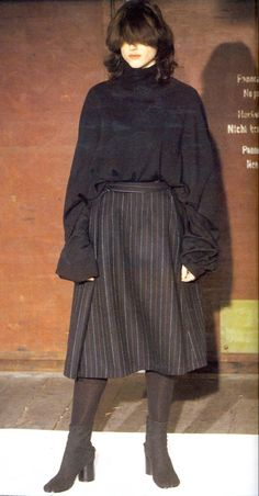 Martin Margiela Fall/Winter 2000 i want this whole collection. Indie Outfits, Cool Outfits, Fashion Outfits, Fashion Tips, Black Skirt Outfits, Fashion Hacks, Alternative Outfits, Alternative Fashion, Look Fashion