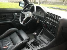 Interior en cuero de un espectacular BMW M3 E30