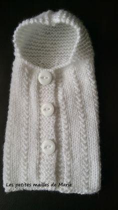 Voici les explications pour tricoter une angeline.   Les angelines servent à habiller les bébés anges pour leur dernier voyage afin de perme...