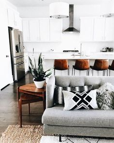 Unusual And Relaxing Living Room Design Ideas Best Minimalist Living Room Interior Design Ideas You Can Try Living Room White, Boho Living Room, Living Room Lighting, Living Room Modern, Living Room Designs, Living Room Decor, Small Living, Modern Wall, Dining Room
