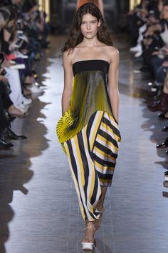Stella McCartney Spring/Summer 2016 Fashion Show