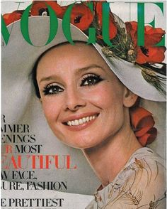 Vogue Paris May by Bert Stern. Vogue US November by Bert Stern. Vogue Paris March by Henry Clarke. Vogue UK April by Henry Clarke. Vintage Vogue, Vintage Hollywood, Hollywood Glamour, Vogue Magazine Covers, Vogue Covers, Audrey Hepburn Alt, Cary Grant, Magazin Covers, Yves Saint Laurent