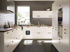 Guh, kitchen from IKEA, Y U no mine?
