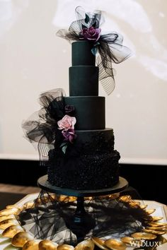White Wedding Cakes The chicest cake Gothic Wedding Cake, Gothic Cake, Black Wedding Cakes, Beautiful Wedding Cakes, Beautiful Cakes, Amazing Cakes, Cake Wedding, Purple Trees, Cake Trends