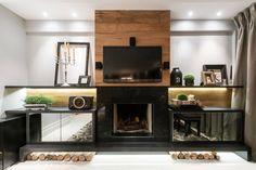 Sala de estar I Living Room I Living Room Design I Living Room Appliances I Living Room Decor I Modern Living Room I Comfort I Fireplace I Firewood