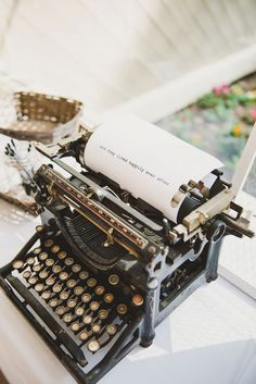 Love this typewriter, have one just like Fabulous Decor Ideas for an Art Deco Wedding Art Deco Wedding Theme, Art Deco Party, Vintage Wedding Theme, Steampunk Wedding Themes, Wedding Blog, Wedding Photos, Wedding Cars, Wedding Rentals, Vintage Weddings