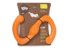 Būmi® is a recyclable floating Zogoflex dog toy designed for fetch or tug-of-war. The perfect stretch toy for dogs and humans or dogs and dogs. Made with buoyan