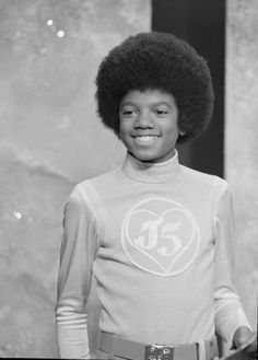 A young Michael Jackson stole our hearts with his youthful exuberance, cock-sure coiffe, and smooth moves and voice. Jackson 5, Jackson Family, Paris Jackson, Young Michael Jackson, Michael Love, Afro, Gary Indiana, The Jacksons, King Of Music