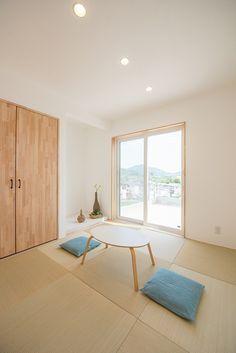 無添加住宅モデルハウス   注文住宅 家 広島 工務店 オールハウス Japanese Interior Design, Home Interior Design, Furniture Decor, Furniture Design, Japanese Architecture, Japanese House, My Dream Home, Minimalism, Sweet Home